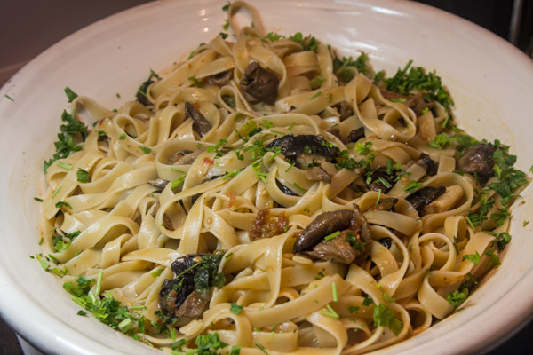 vegetarian tagliatelle with mushrooms