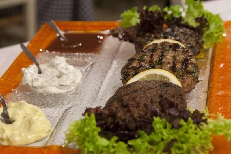 Base Grill: Το μυστικό συστατικό της γεύσης βρίσκεται στηναγάπη…