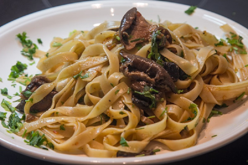 perfect tagliatelle with mushrooms (dunque…alla boscaiola)