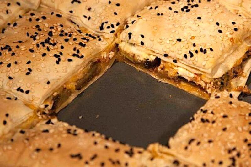 πίτα με μελιτζάνες και κιμά