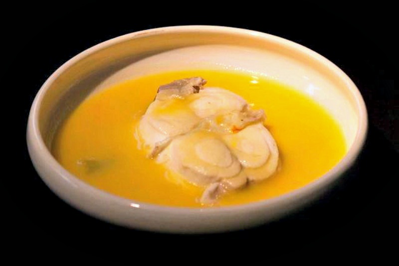 Fish soup with saffron and wine - a taste of the Côte d'Azur