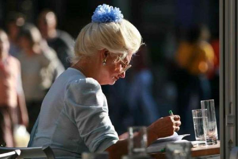 Σέρβις: Τα παρασκήνια μιας σερβιτόρας