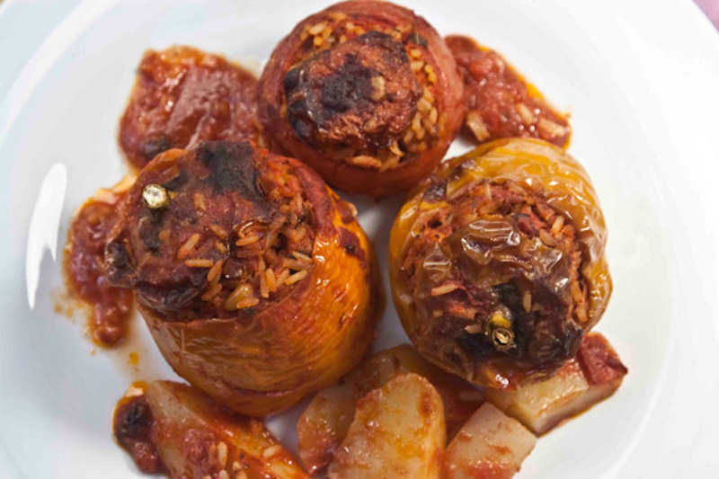 συνταγή ντομάτες και πιπεριές γεμιστές - γεμιστά με ρύζι