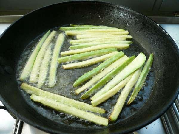 τηγανητά λαχανικα: κολοκύθια, τηγάνισμα