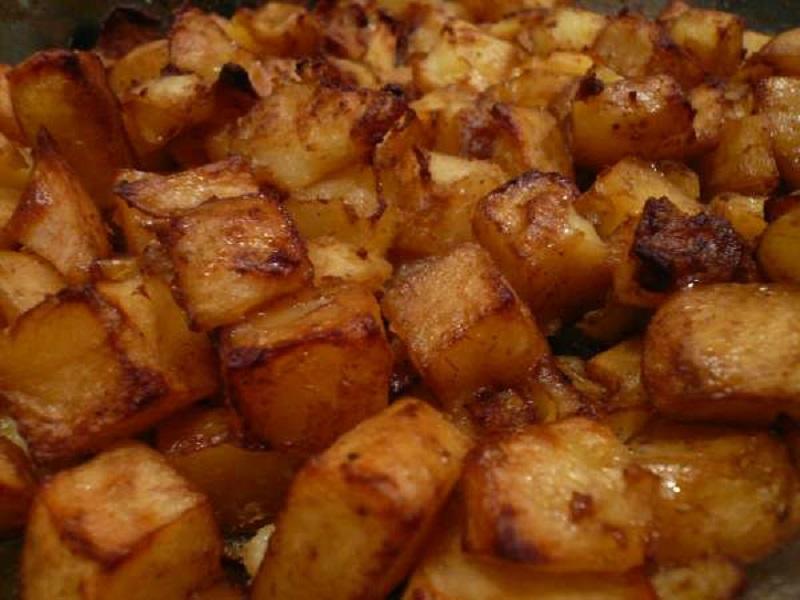 πατάτες με πάπρικα και κόκκινο κρασί