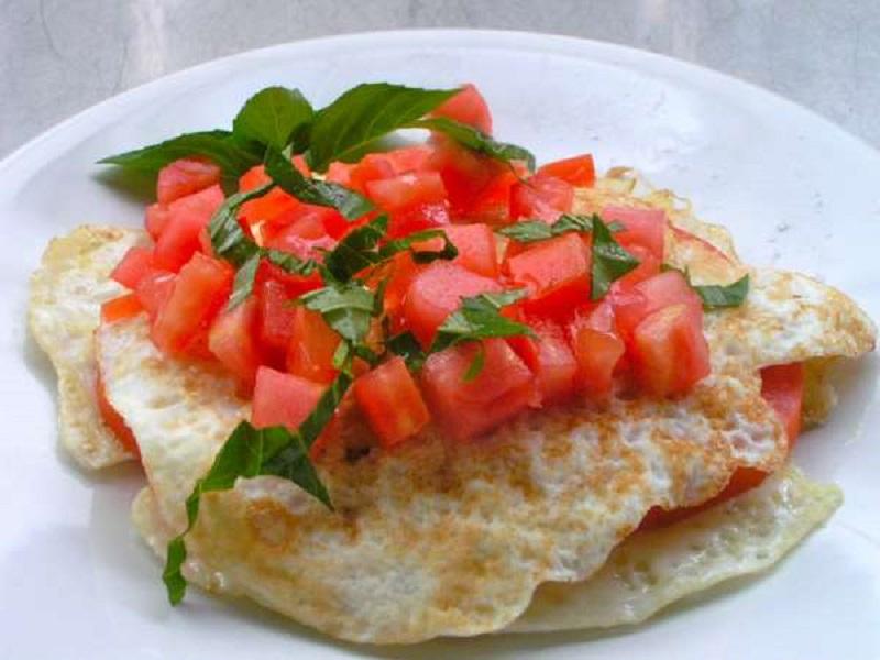 ασπράδια με ντομάτα
