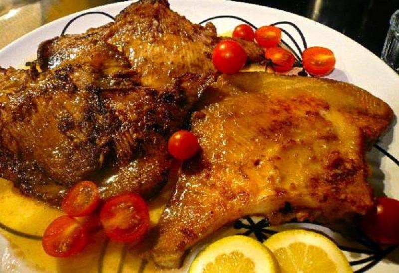 ράσσες μενιέρ: βεντάλιες τηγανητές με βούτυρο και λεμόνι