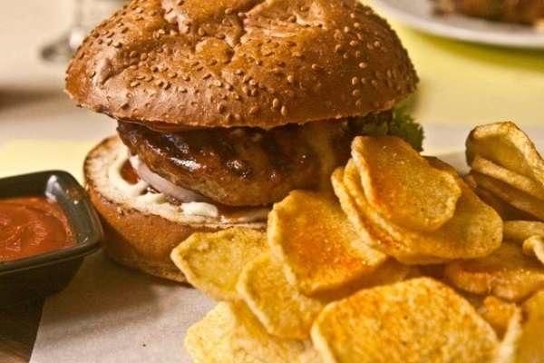 Kozi's burger