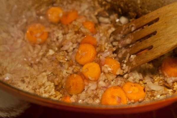 μπεφ μπουργκινιόν με την αυθεντική συνταγή της Τζούλια Τσάιλντ