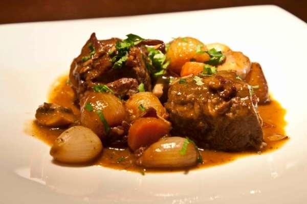 11 must πιάτα με κρέας από την γαλλική κουζίνα - μπεφ μπουργκινιόν