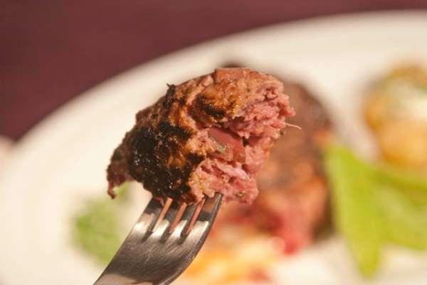 syntagi souidiki bifteki lindstrom me pantzaria