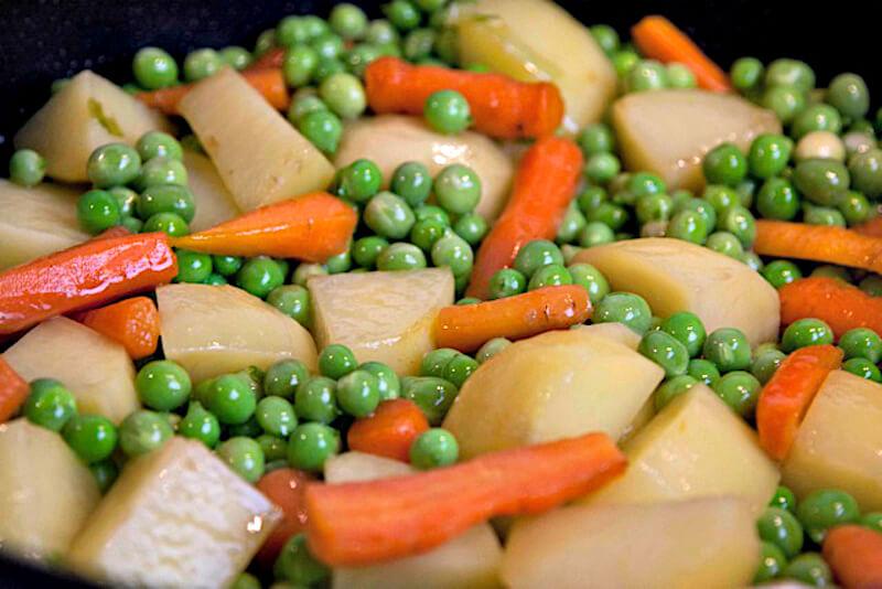 potatoes, peas and baby carrots ala polita