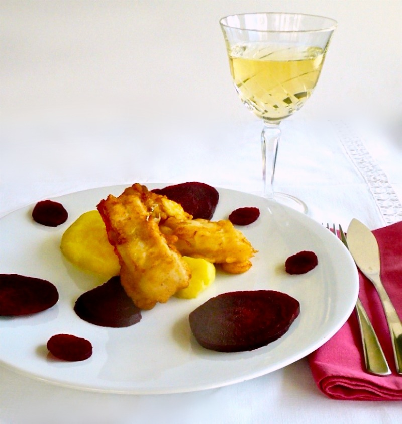Παραδοσιακός μπακαλιάρος σκορδαλιά με πατάτα και παντζάρια