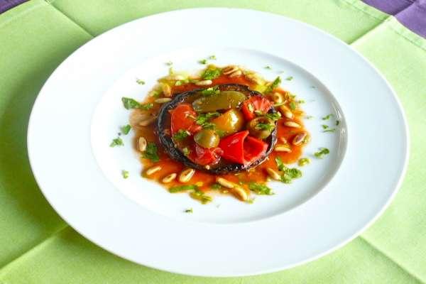μενταγιόν μελιτζάνας με ντομάτα και πιπεριές - συνταγές για κούλουμα