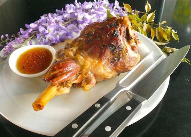 αρνάκι ή κατσικάκι στη λαδόκολλα: παλιά γκουρμέ ευκολία