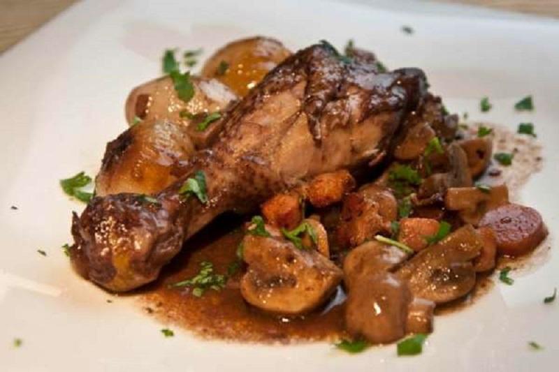 Top 20 συνταγές για μανιτάρια - κόκορας κρασάτος Βουργουνδίας - κοκοβέν