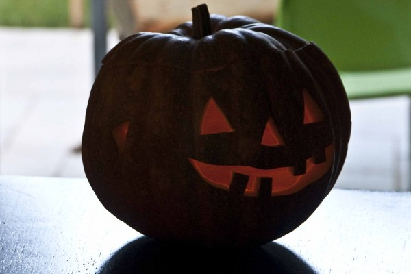 Halloween: Jack-O'-Lantern ...i kolokytha tou tromou