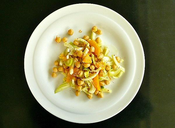 σαλάτα ρεβίθια με πορτοκάλι και φινόκιο