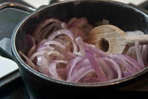 αρνάκι Ουαλίας με πατάτες μπουλανζέ στο φούρνο - gravy me kremydi
