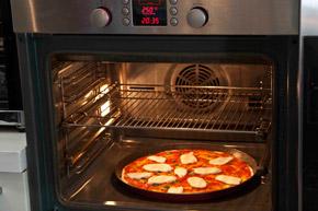 σπιτική ιταλική πίτσα μαργαρίτα