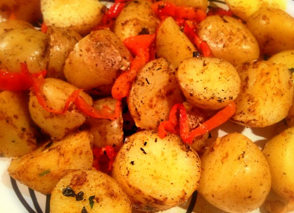 spicy potatoes with red peppers