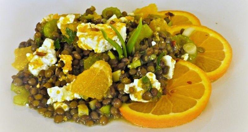 φακές με φέτα και πορτοκάλι: ας ξανασυστηθούμε