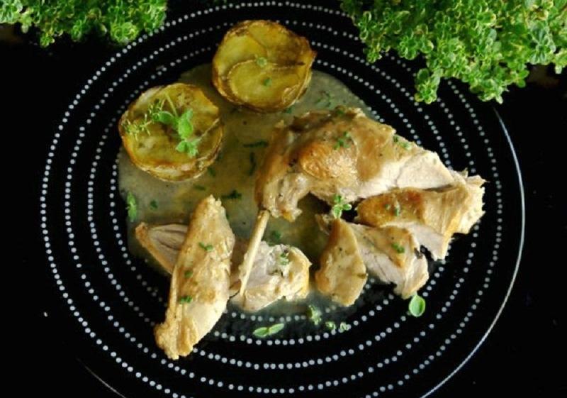 κουνέλι με λεμονοθύμαρο και πατάτες μάφιν