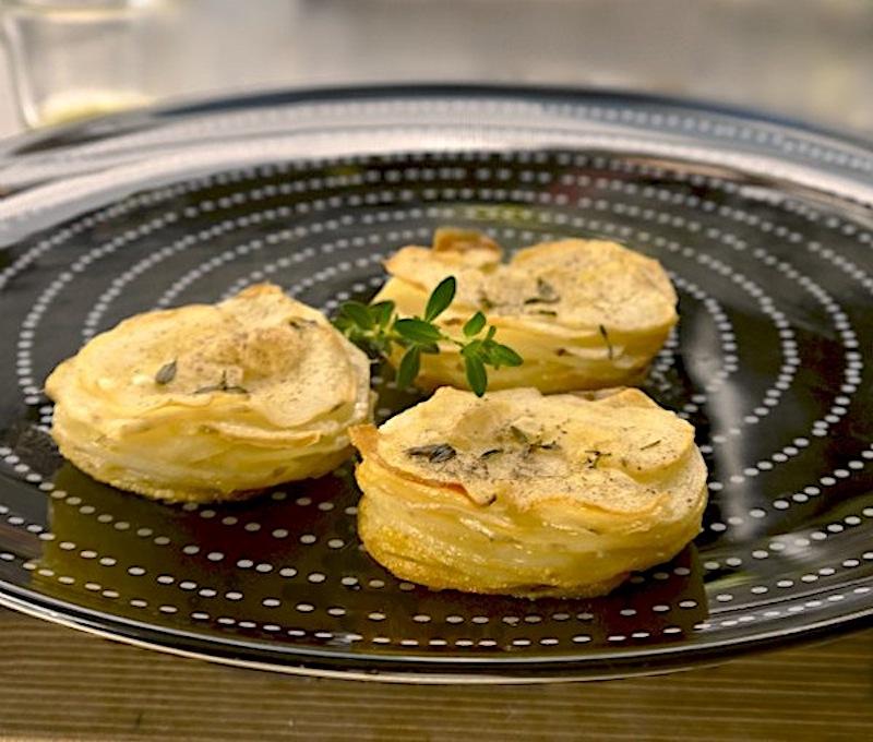 πατάτες μάφιν αρωματισμένες με θυμάρι