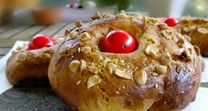 sweet tsoureki bread