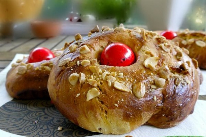 tsoureki, Greek Easter bread that fills the soul
