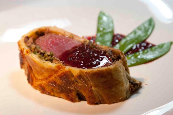 11 must πιάτα με κρέας από την γαλλική κουζίνα - φιλέτο ελάφι ουέλινγκτον