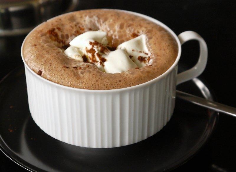 Σοκολάτα βιενουά: καυτή σοκολάτα, βέρα Βιεννέζα