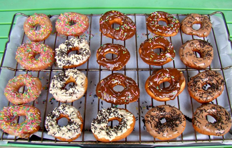 homemade donuts-doughnuts
