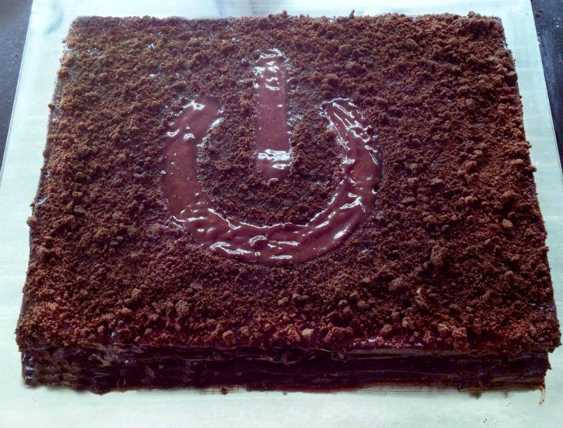 μπλακάουτ τούρτα σοκολάτα: τετράγωνη