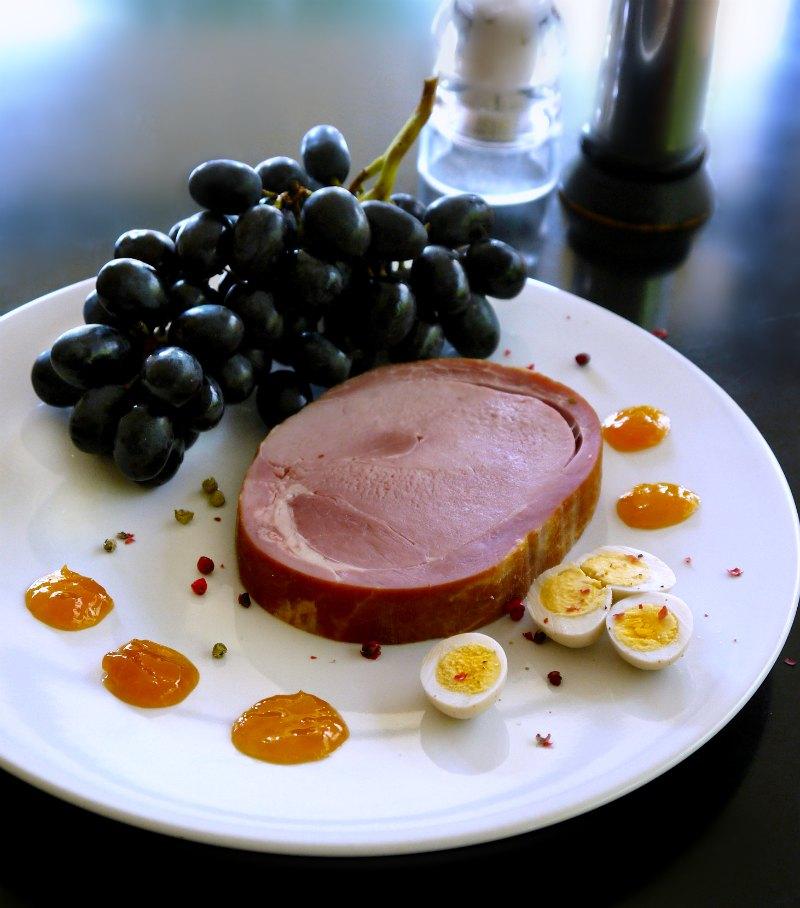 χαμ: κρύο πιάτο με φρούτα