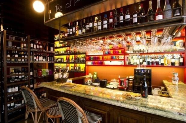heteroclito - cave & bar à vin με οινική συνεκτικότητα