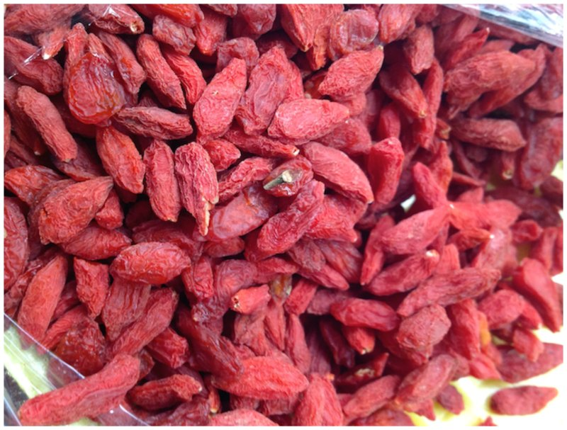 goji berries -caramelized apples in wine