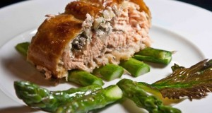 Salmon Wellington with asparagus -salmon in puff pastry