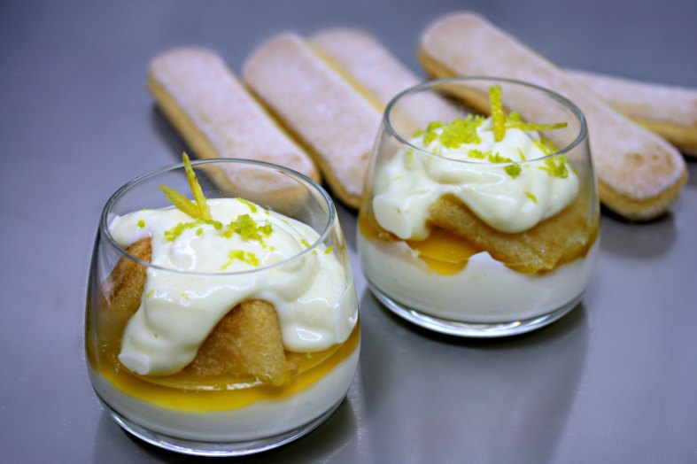 lemon cream cake with fruit jelly -individual bowls