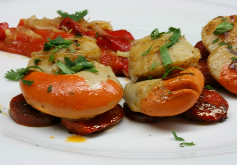spicy scallops with chorizo and red peppers