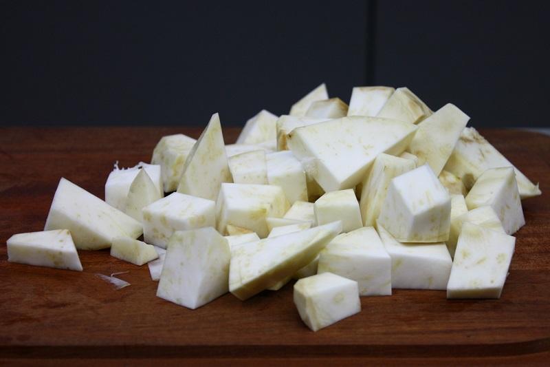 κομμάτια σελινόριζας (συνταγή αγκιναρόσουπα)
