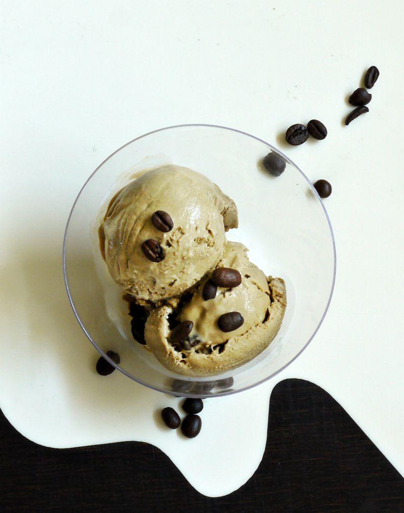 παγωτό καφέ και παγωτό μόκα, με αυγά ή χωρίς