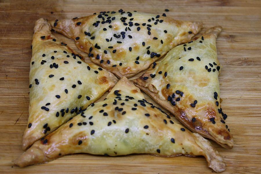 μανιταροπιτάκια με σκόρδο και δεντρολίβανο