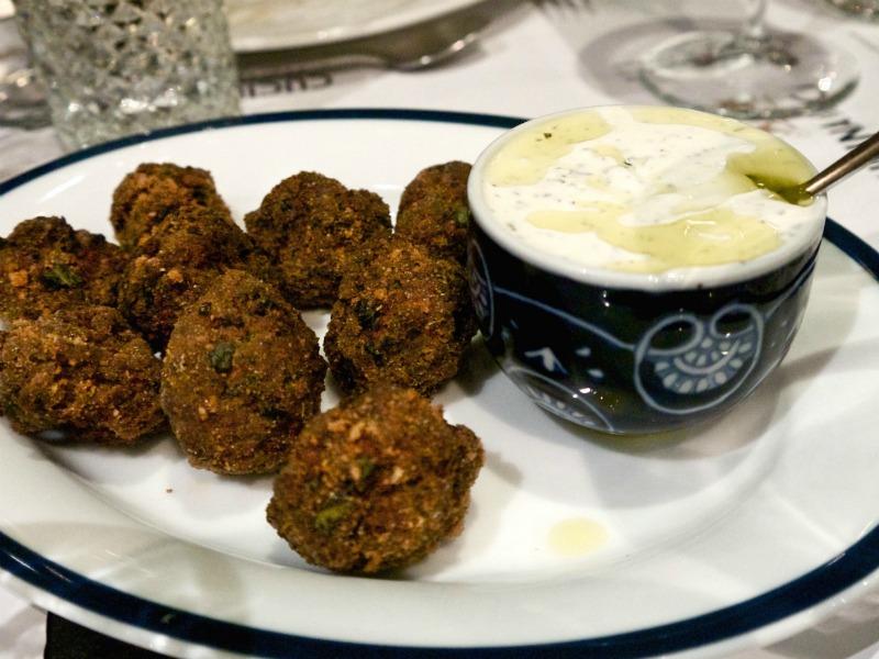 pop up Cucina Caruso - κεφτεδάκια