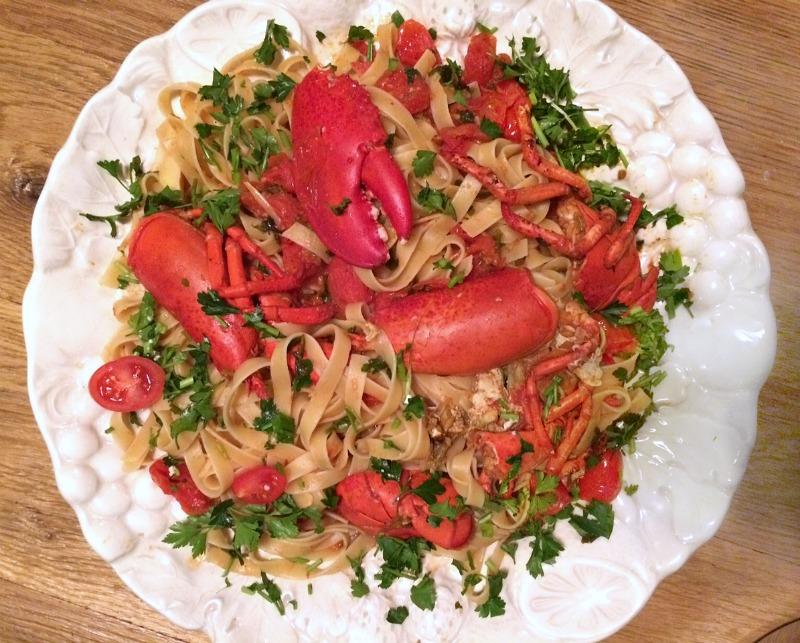 astakomacaronada-lobster-pasta-dish1
