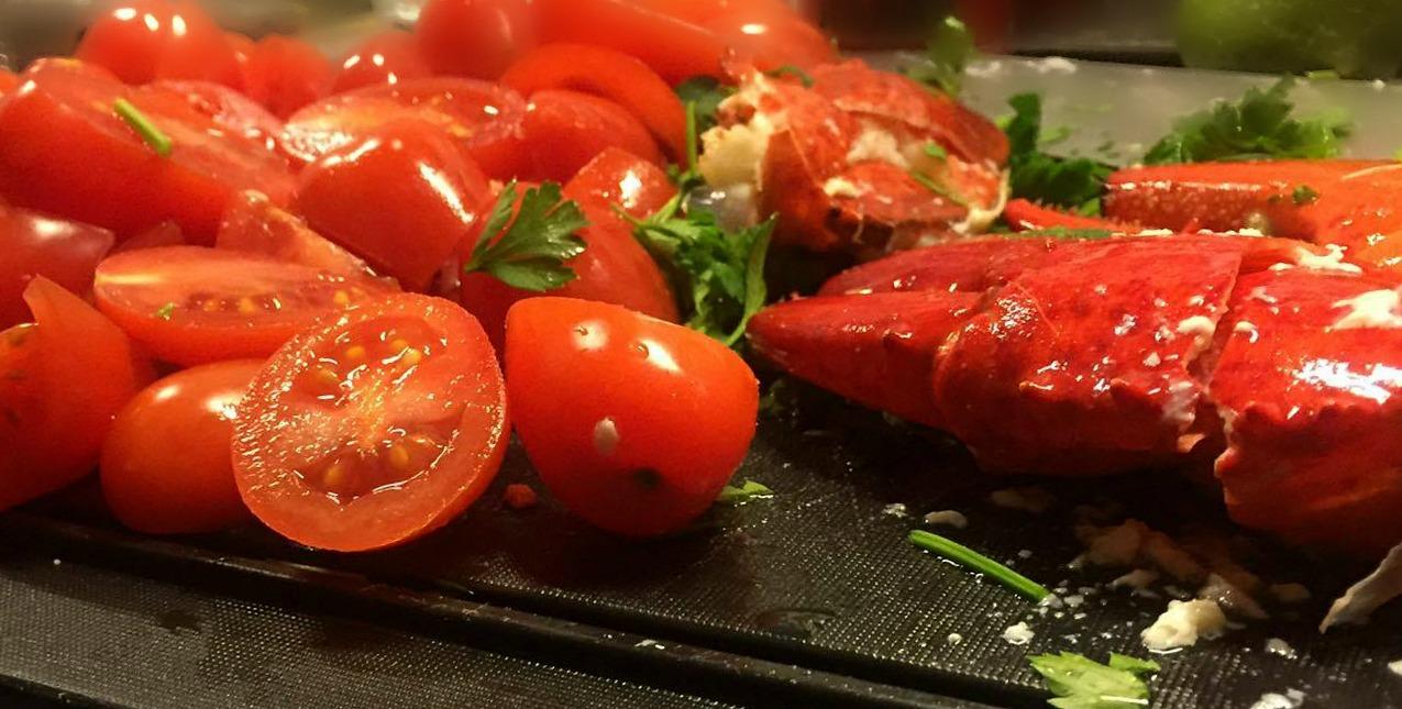astakomacaronada-lobster-pasta-ylika