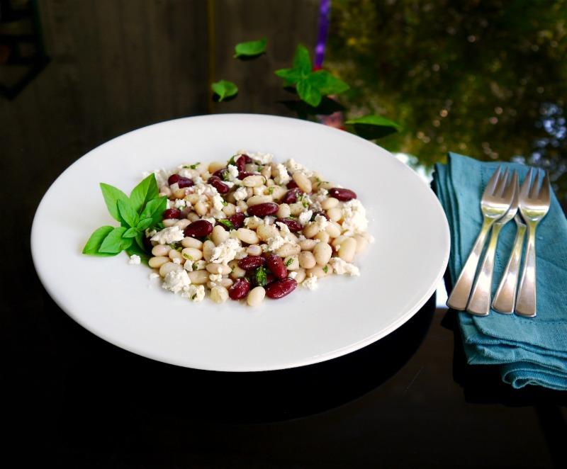 φασόλια σαλάτα με φέτα & βασιλικό