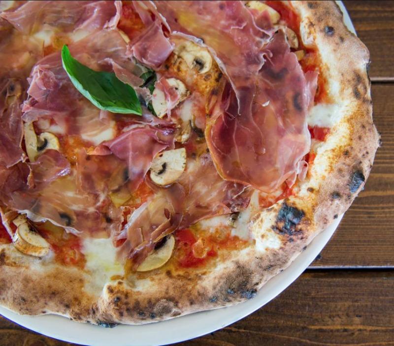 Ναπολιτάνικη πίτσα του Napolitivo