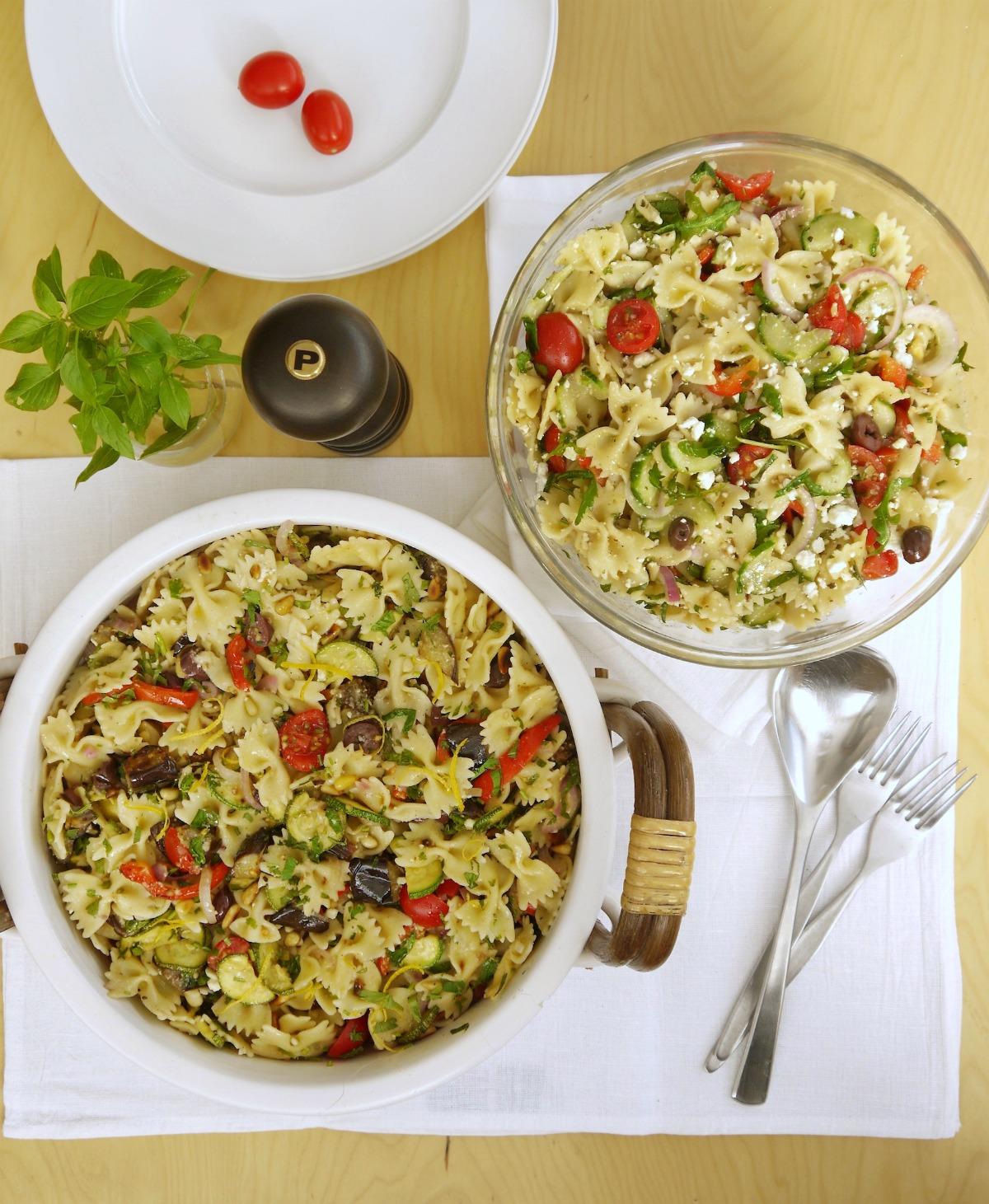 μακαρονοσαλάτα μεσογειακή με πεταλούδες και λαχανικά