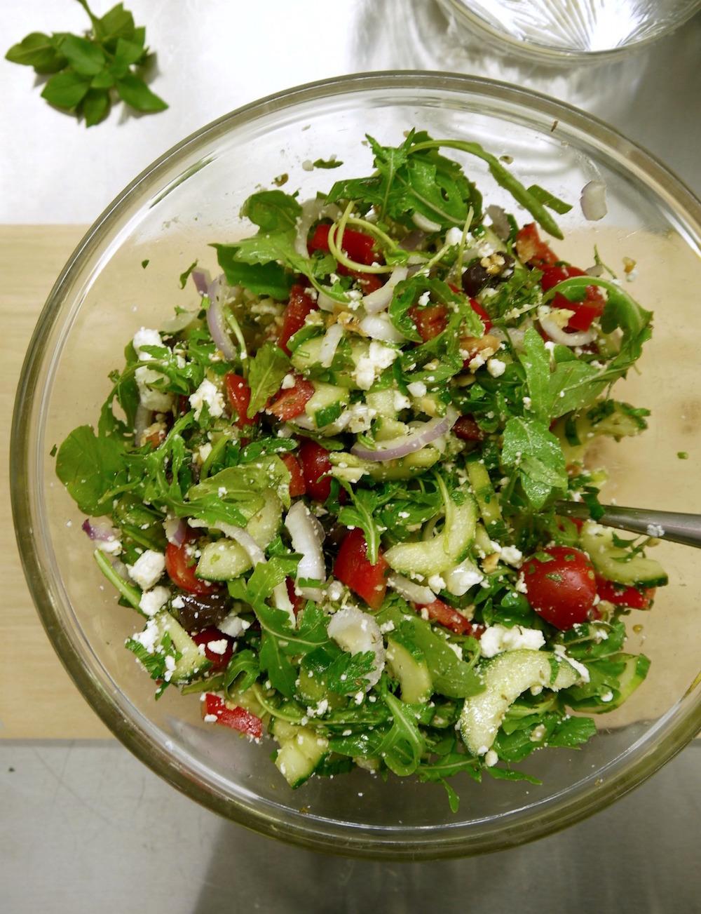 Φρέσκα, ωμά λαχανικά για μακαρονοσαλάτα